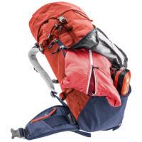 a hátizsák belső tartalmához gyors hozzáférést biztosító elülső cipzár